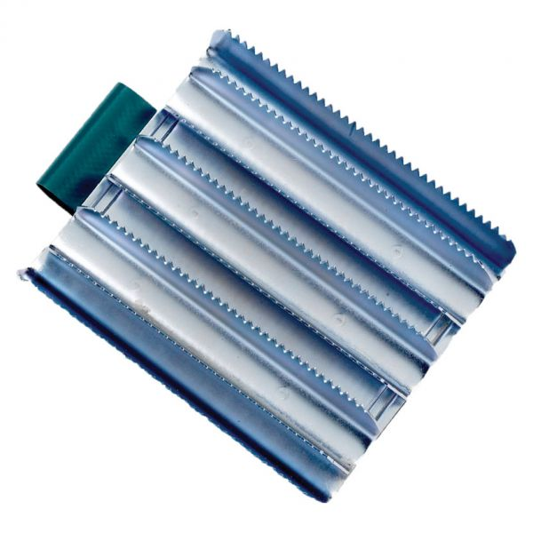 Lincoln Military Metal Curry Comb